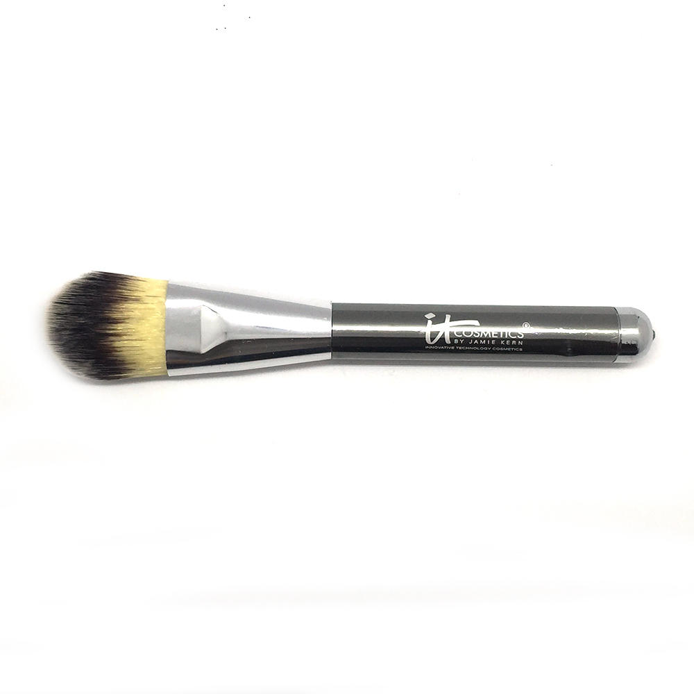 IT Cosmetics Deep Silver Rhinestone Collection Foundation Brush