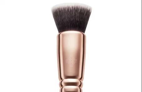 Zoeva Buffer Face Brush 104 Rose Golden Collection