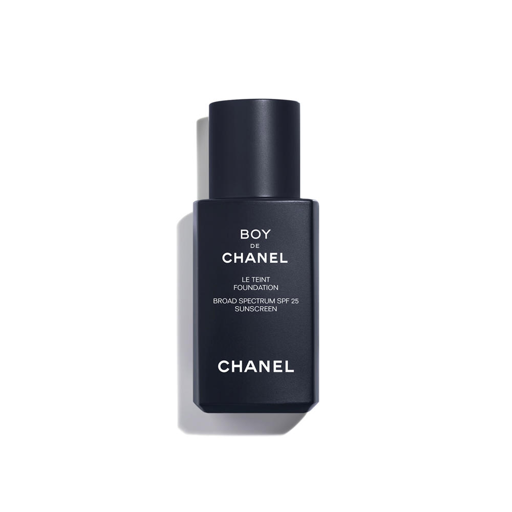 Boy De Chanel Foundation Broad Spectrum SPF 25 Medium Light No 30