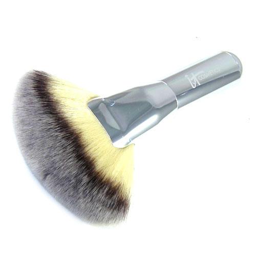 IT Cosmetics Luxe Mega Fan Brush Chrome