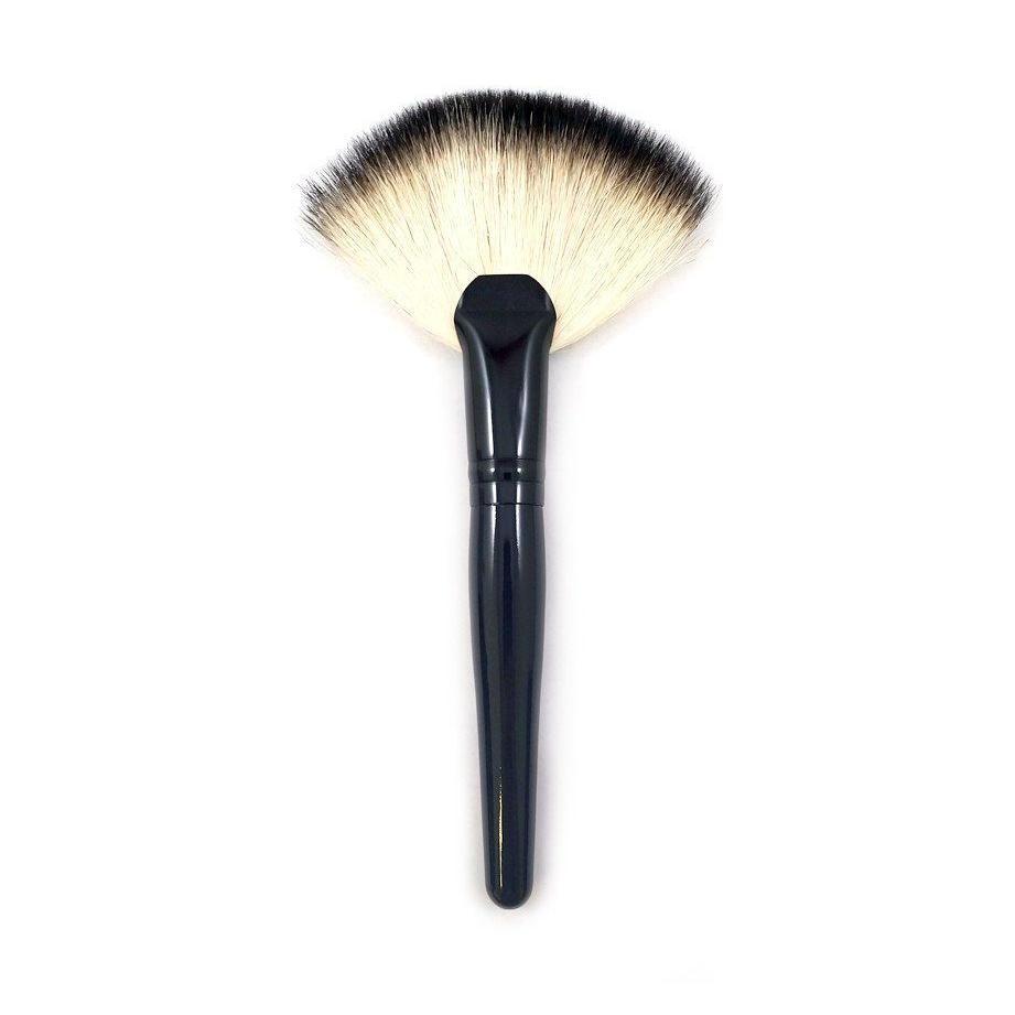 Morphe Badger Fan Brush B28
