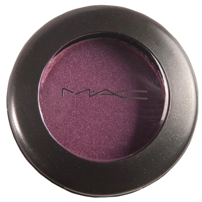 MAC Eyeshadow Plum Dressing
