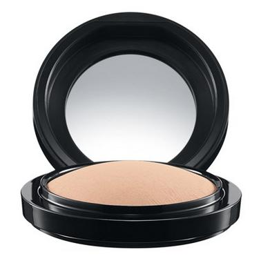 MAC Mineralize Skinfinish Medium