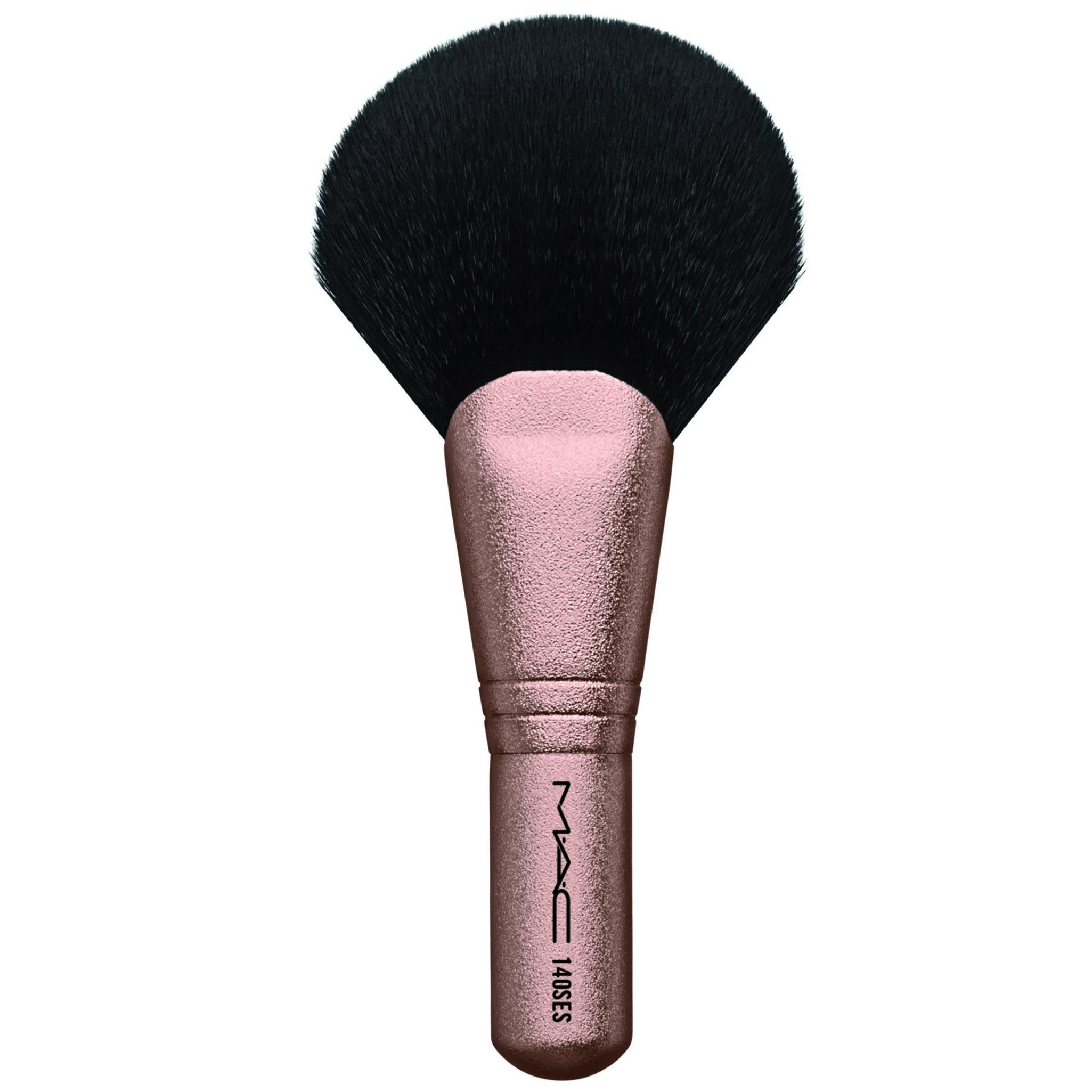 MAC Synthetic Full Fan Brush 140SES Snow Ball Collection