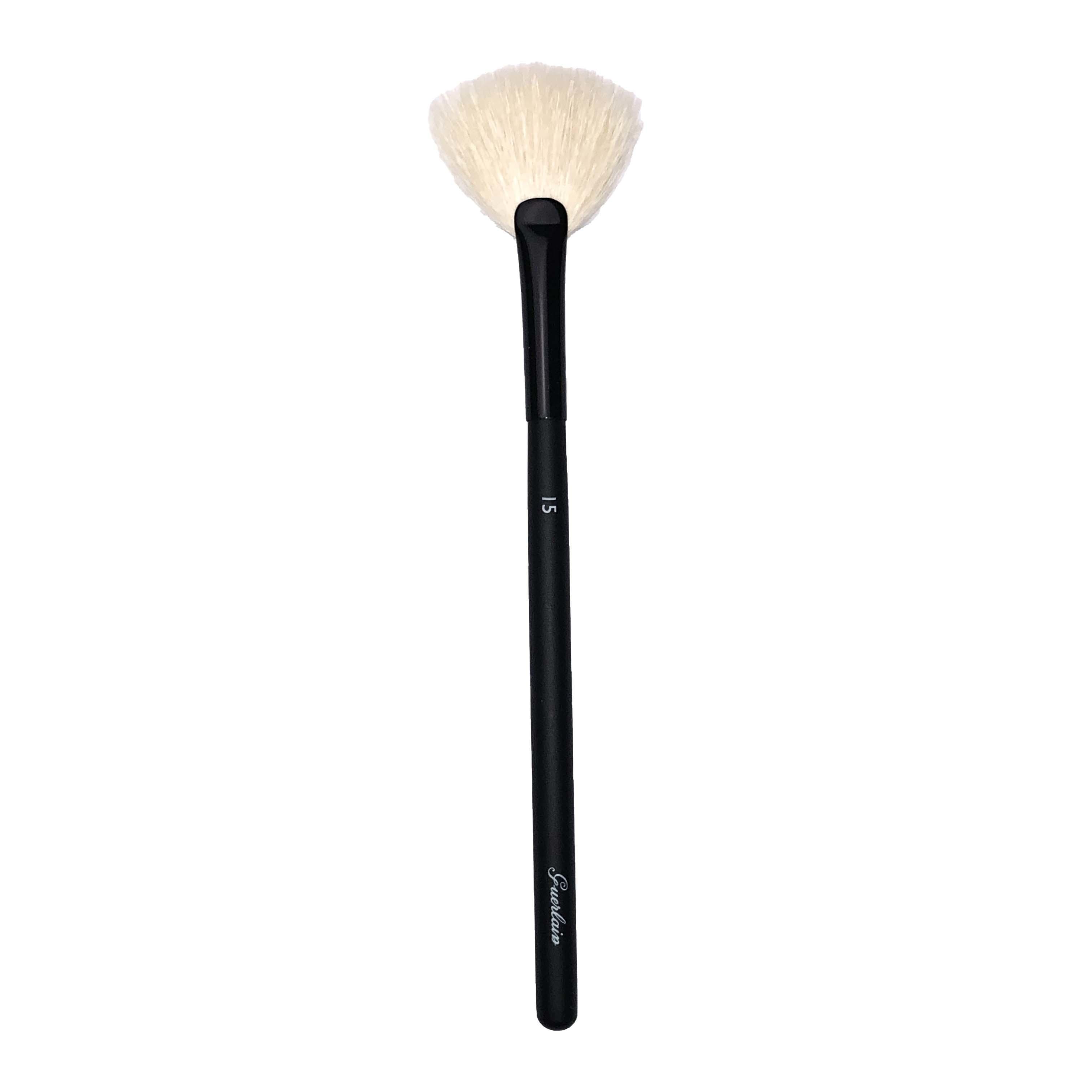 Guerlain Diffusing Fan Face Brush 15