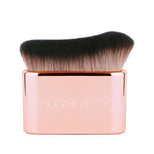 Huda Beauty Body Brush Blur & Glow