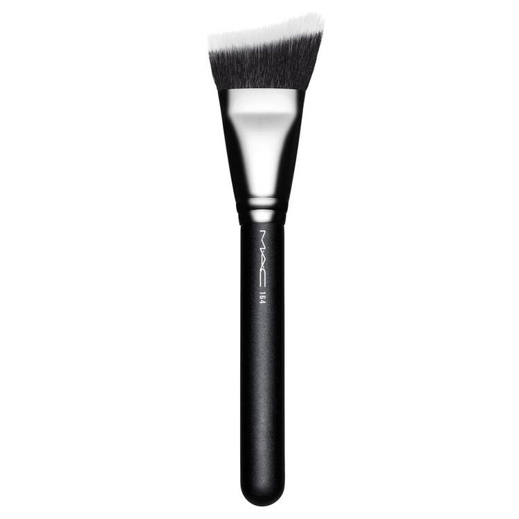 MAC Synthetic Duo Fibre Curved Sculpting Face Brush 164